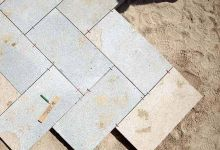 """With our feet on the ground"". Venetian paving: a legacy to preserve"